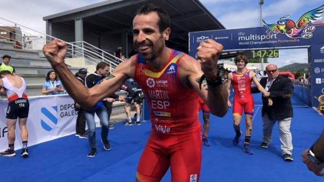 Varios.- Emilio Martín, subcampeón del mundo de duatlón en Pontevedra