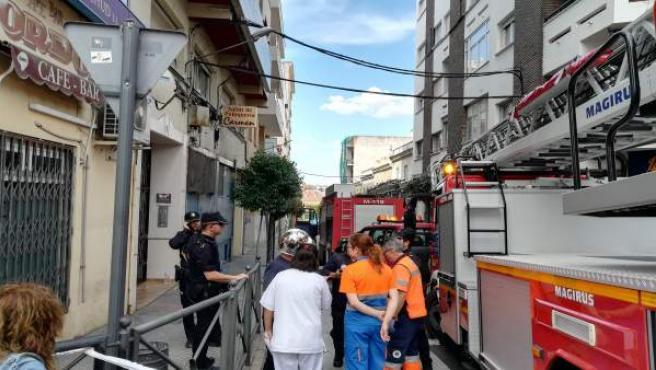 Sucesos.- Desalojan un edificio en el centro de Mérida tras un incendio originado en una cocina y que causa 3 afectados