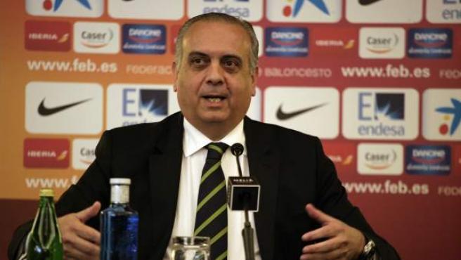José Luis Sáez, presidente de la Federación de Baloncesto.