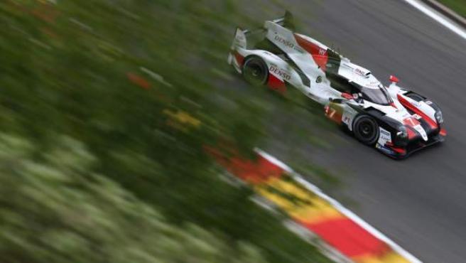Uno de los Toyota en el circuito de Spa.