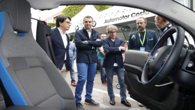 Almería.- Alcalde resalta la importancia de 'apostar por la movilidad sostenible' en la I Feria del Vehículo Ecológico