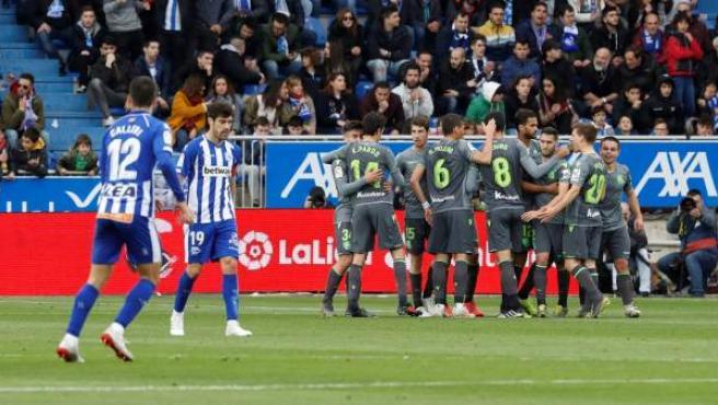 La Real Sociedad celebra un gol ante el Alavés.