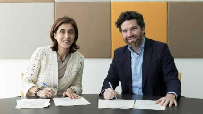 Pilar López, presidenta de Microsof España, e Íñigo de Yarza, Presidente de Hiberus Tecnología.