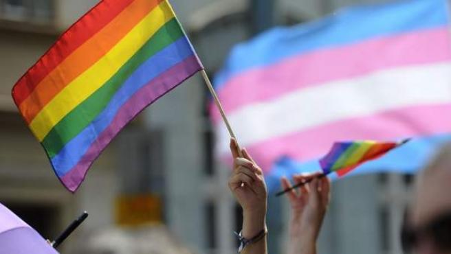 Bandera gay contra la homofobia y a favor de la diversidad sexual.