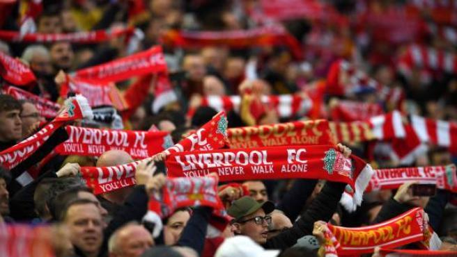 Aficionados del Liverpool durante el partido de vuelta de semifinales de la Champions.