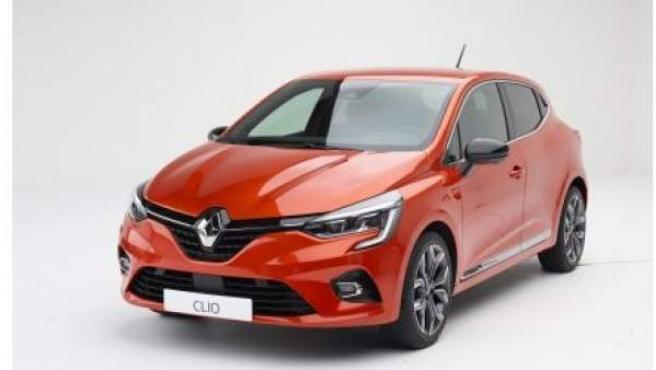 El nuevo Clio será el primero modelo electrificado de la firma con motor híbrido E-Tech.