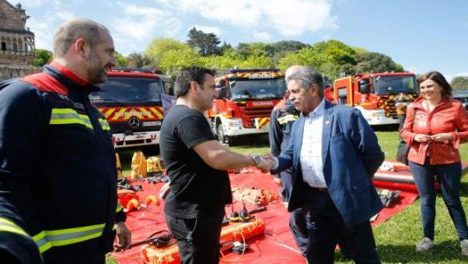 Revilla dice que el 112 es 'imprescindible' y muestra su orgullo por el trabajo de todos los servicios de emergencia