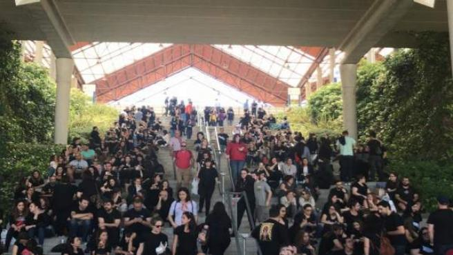 La enfermería 'tiñe de negro' las oposiciones del Sergas de este domingo para protestar contra la precariedad
