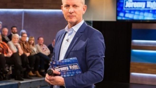 El presentador Jeremy Kyle al mando del programa que lleva su nombre.