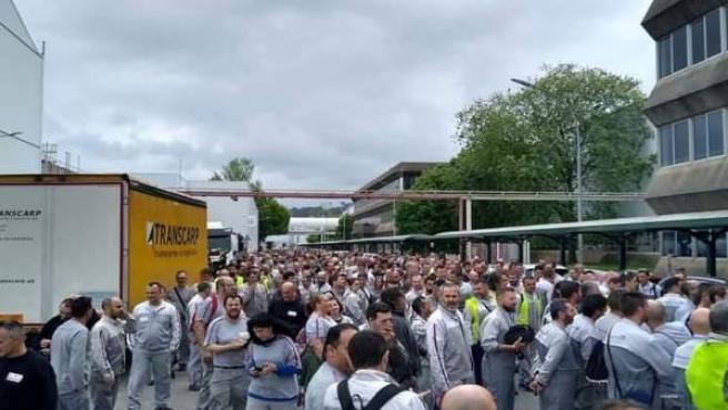 Trabajadores de PSA Citroën en Vigo van a la huelga para demandar una mejora de sus condiciones laborales