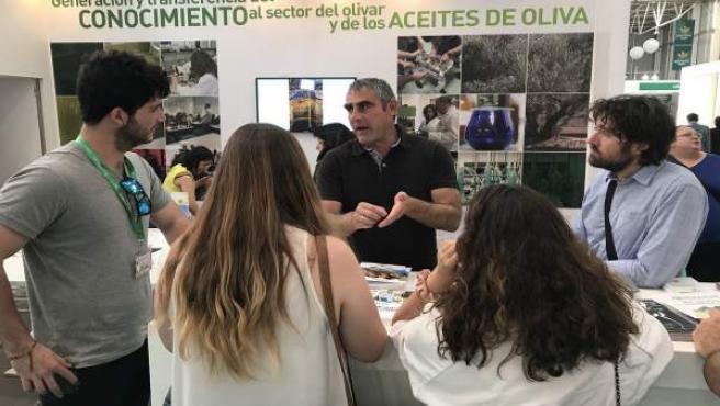 Jaén.- La UJA presenta en Expoliva un proyecto para mejorar la sostenibilidad del olivar y la gestión de subproductos