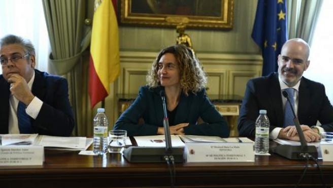 Meritxell Batet, en una reunión en el Ministerio.