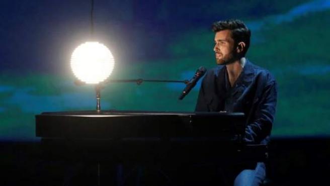 Duncan Laurence, de Holanda, durante la segunda semifinal de Eurovisión 2019, en Tel Aviv (Israel).