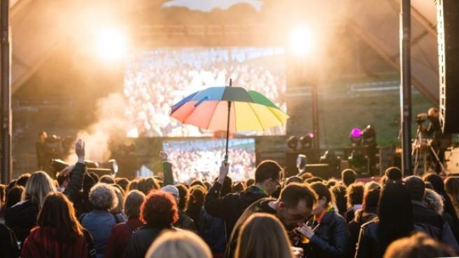 Imagen del concierto contra la LGBTIfobia en Badalona cancelado por el boicot a Marta Sánchez.