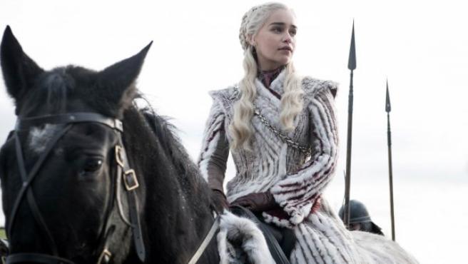 Daenerys Targaryen, interpretado por Emilia Clarke, durante un pasaje de la última temporada de 'Juego de Tronos'.