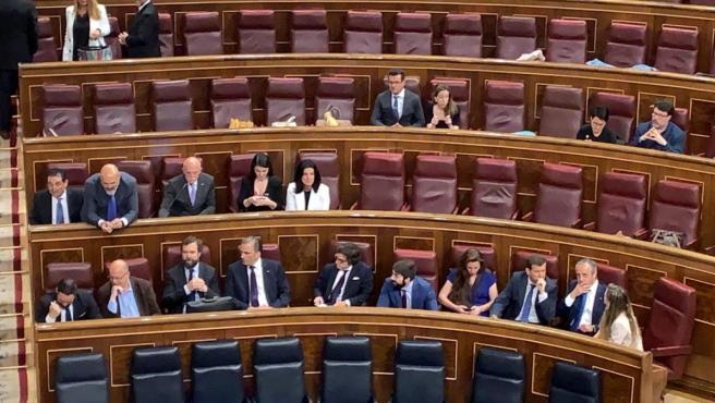 La bancada de Vox se sienta en la zona del PSOE en el Congreso.