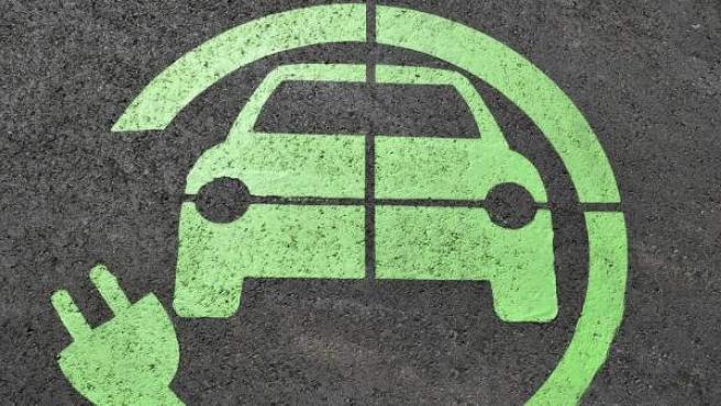Los coches eléctricos se están convirtiendo en los protagonistas de las carreteras.