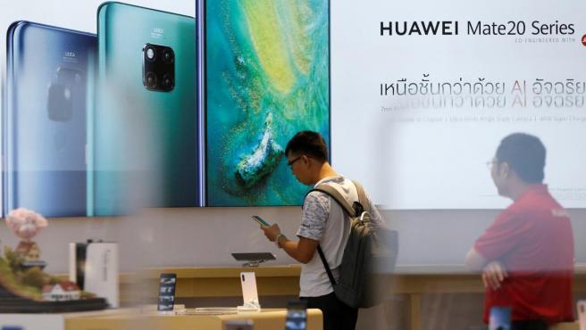 Tienda de Huawei en Bangkok.