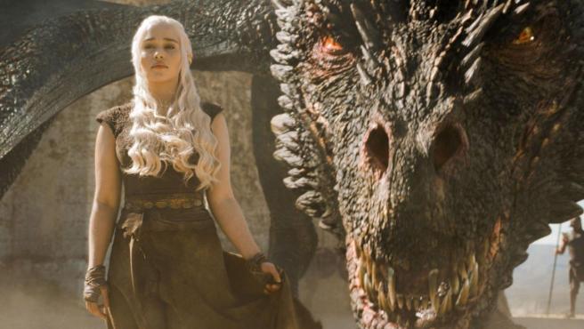 Daenerys y Drogon en 'Juego de Tronos'.