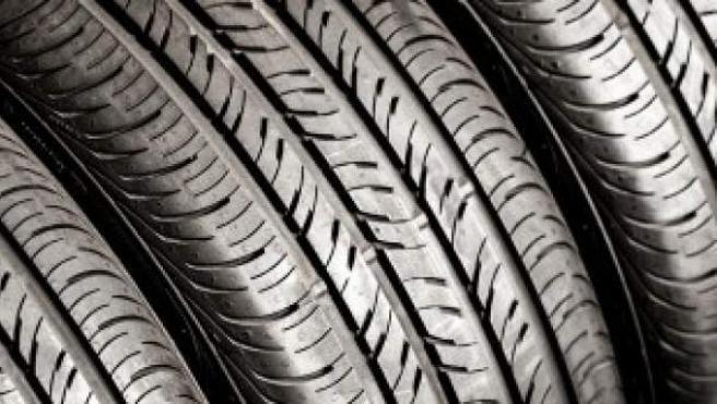 Todas las ruedas presentan un código del que se pueden extraer características como la anchura o la velocidad máxima que aguanta.