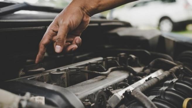 La carbonilla del motor puede obstruir las vías principales del coche.
