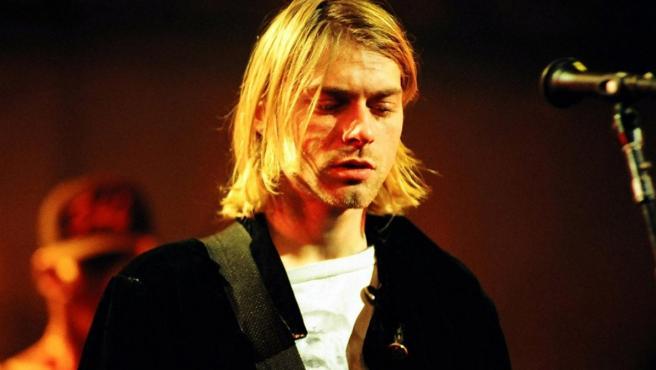 <p>Durante los últimos años de su vida, Kurt Cobain luchó con depresión, enfermedad y adicción a la heroína.</p>