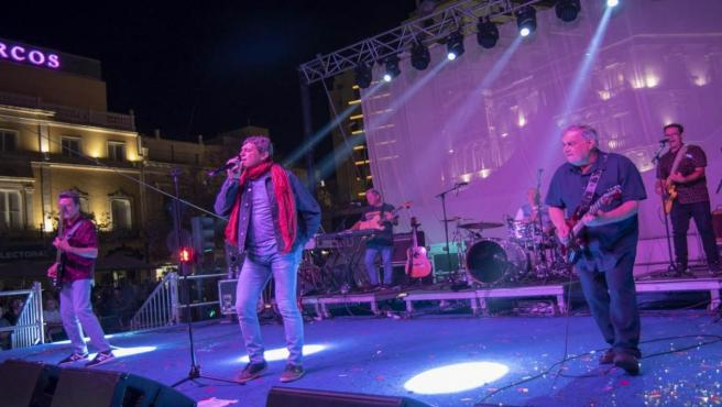 Almería.- Danza Invisible lleva su vitalidad con 'Sabor de amor' y otras canciones de los 80 a la Puerta de Purchena