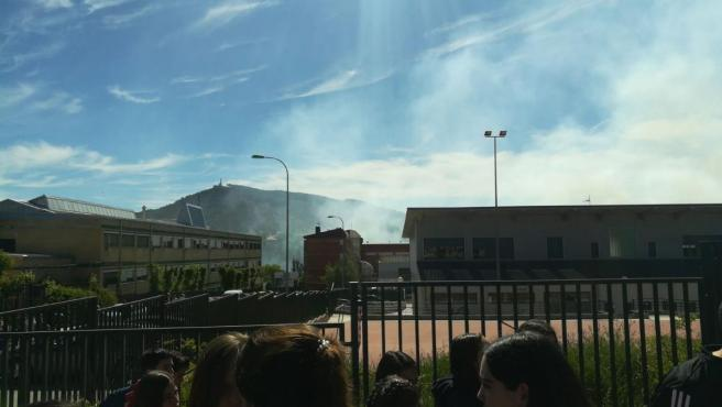 Sucesos.- Un incendio de pelusa de chopo provoca la evacuación del IES San José de Cuenca durante 20 minutos