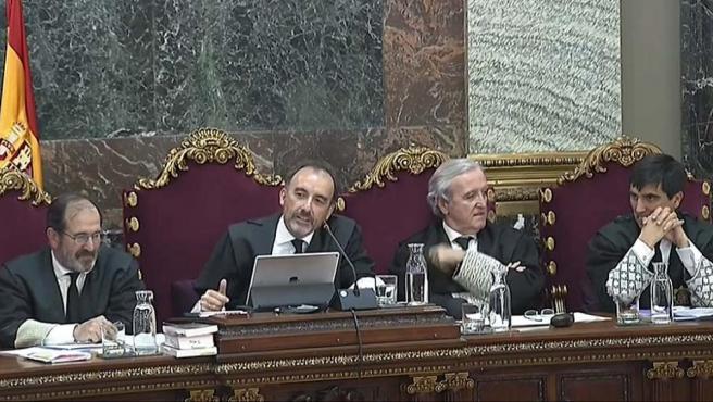 El juez Marchena y los magistrados durante el juicio del 'procés' en el Supremo.
