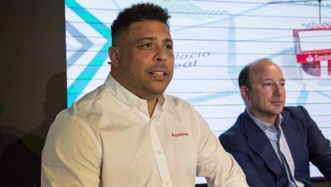 Ronaldo, presidente y máximo accionista del Real Valladolid.