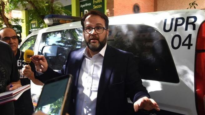 Pedro Camarero, abogado del Huesca