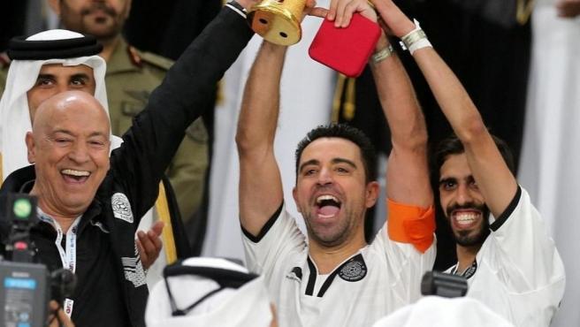 Xavi llegó al Al-Sadd en 2015 y llegó a capitanear al equipo catarí.