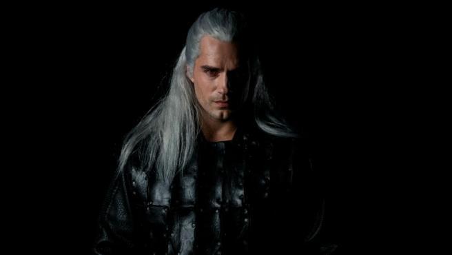 El actor Henry Cavill como Geralt de Rivia en la serie producida por Netflix, 'The Witcher'.