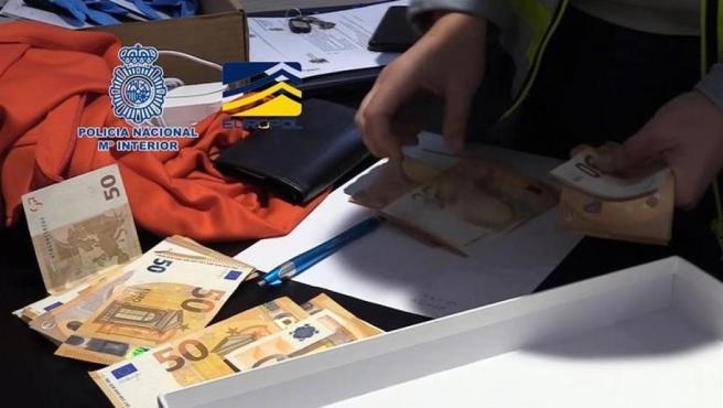 La policía detiene a varios futbolistas por amaño de partidos en la 'Operación Oikos'