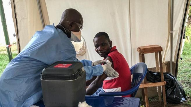 Campaña de vacunación y asistencia del ébola en la república Democrática del Congo.