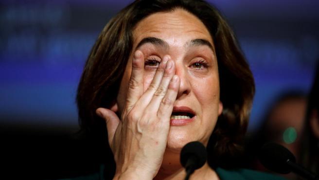 Ada Colau emocionada después de los resultados de las elecciones.