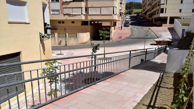 Málaga.- El Ayuntamiento de Estepona concluye la construcción de una plaza pública en la barriada 'Mar y Sierra'