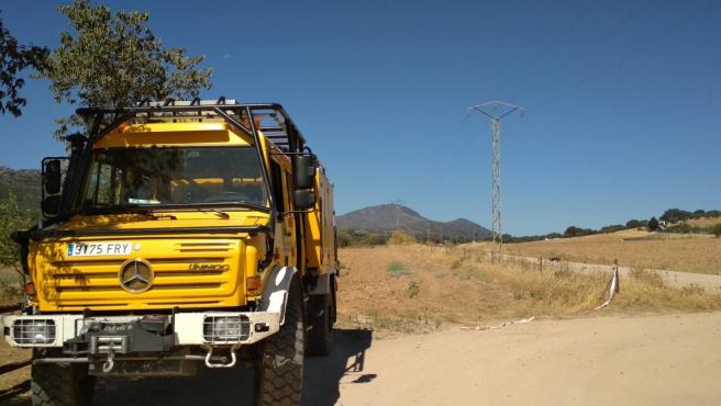 Un camión del Infoex en el incendio de Arroyo