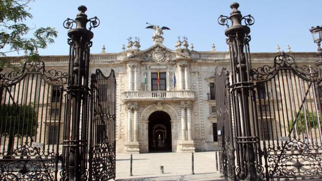 Sevilla.-La Universidad de Sevilla se sitúa como tercera universidad española en la docencia de Matemáticas e Ingeniería