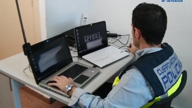El Cuerpo Nacional de Policía detecta una alerta por 'phishing'.