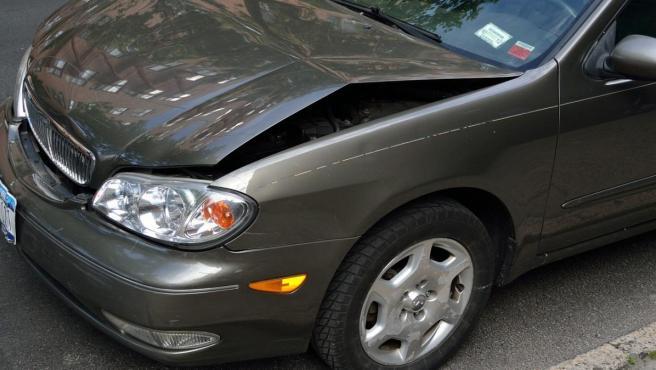 El Alto Tribunal señala que cuando ninguno de los conductores logre probar su falta de culpa o negligencia en la causa del daño al otro vehículo cabrían en principio tres posibles soluciones.
