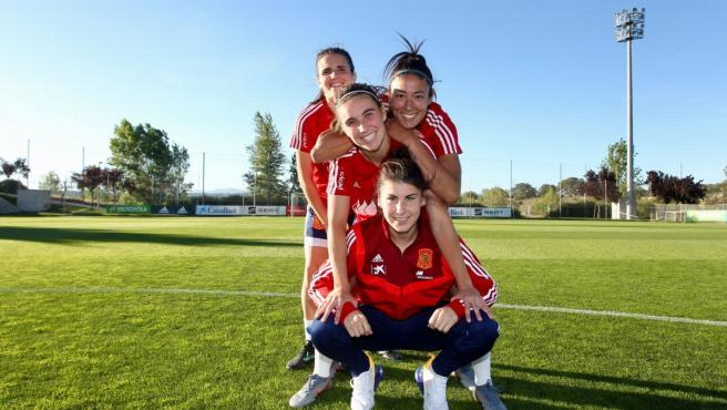 Mariona Caldentey, Andrea Pereira, Leila Ouahabi y Lucía García, jugadoras de la selección española femenina de fútbol.