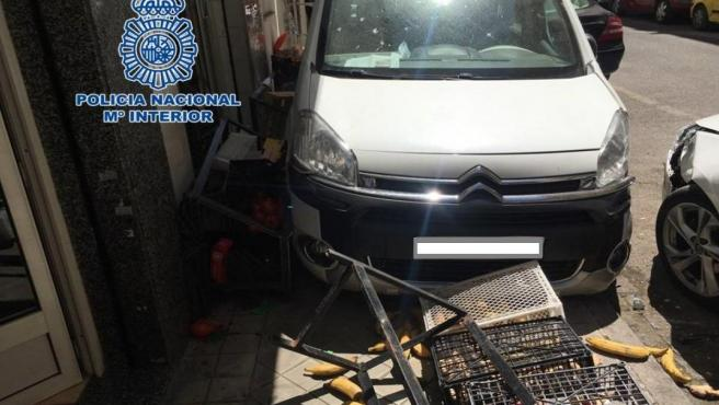 Granada.- Sucesos.- Detenido tras estrellarse con una furgoneta con más de 35 kilos de hachís en el Zaidín