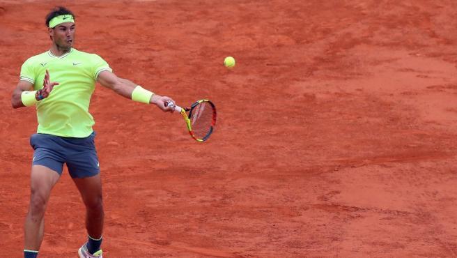 Rafa Nadal, durante su partido contra Kei Nishikori en Roland Garros.