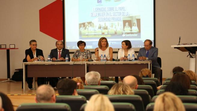Málaga.- El papel de la mujer en el sector de la seguridad privada, a debate en la Diputación de Málaga