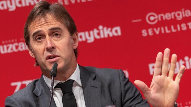 Julen Lopetegui, durante su presentación como entrenador del Sevilla.
