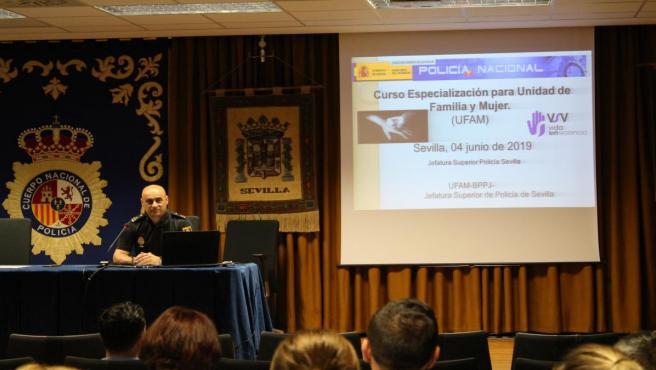 Nota De Prensa Imagenes Cordoba ; 'La Jefatura Superior De Policía De Andalucía Occidental Organiza En Sevilla Un Curso De Especialización En Violencia De Género, Doméstica Y Protección A Víctimas