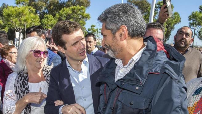 El presidente del PP, Pablo Casado, con Juan José Cortés.
