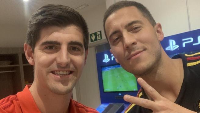 Courtois y Hazard, compañeros en la selección belga y en el Real Madrid.