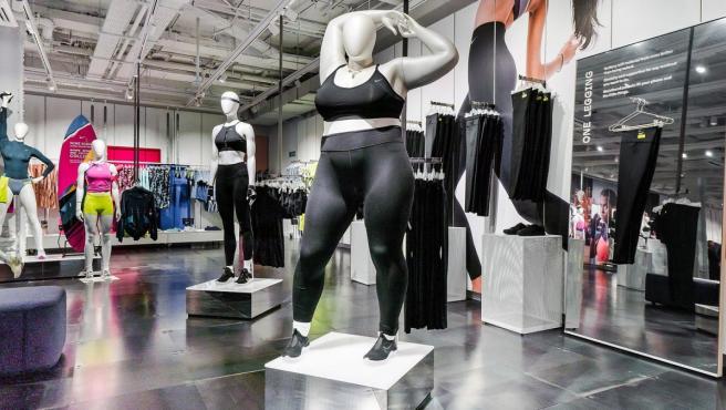 Nike Apuesta Por Los Maniquis De Tallas Grandes En Sus Tiendas